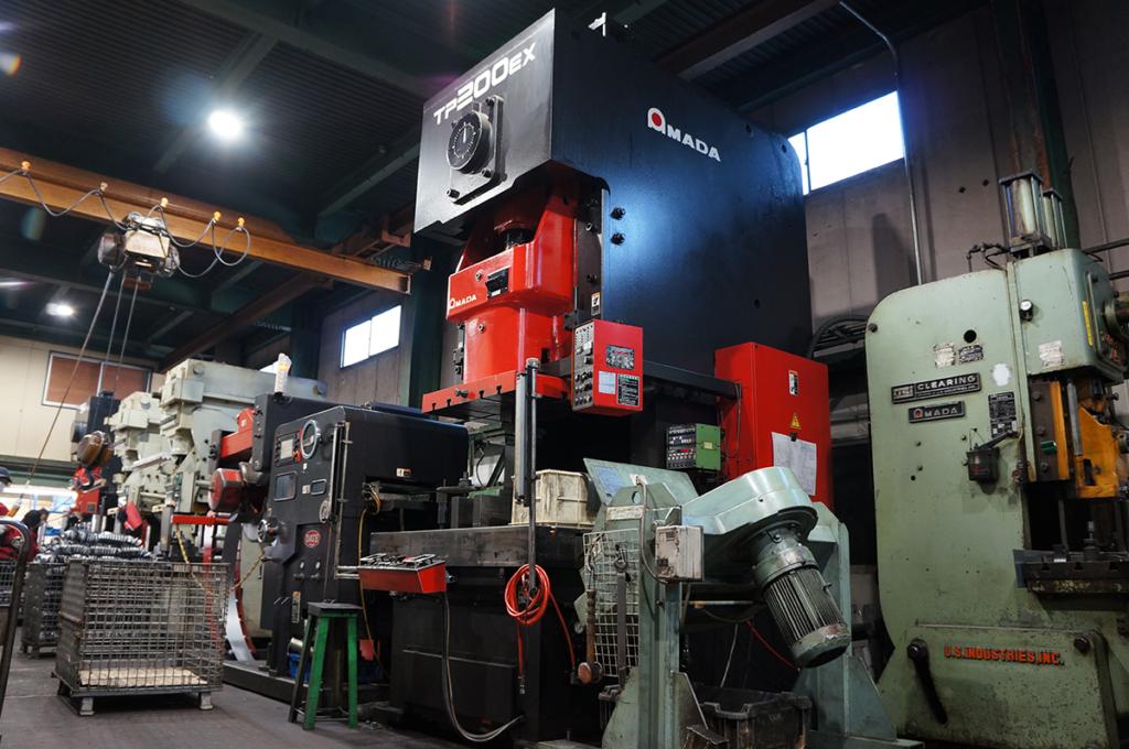 松内電器工業 株式会社 主要設備 プレス設備 200t トランサープレス