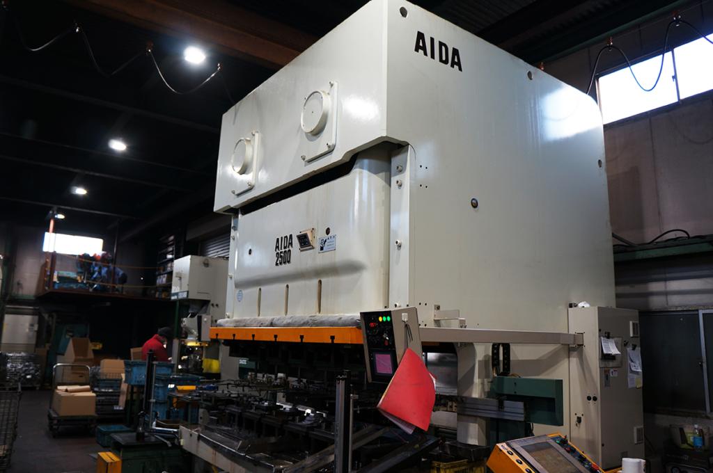 松内電器工業 株式会社 主要設備 プレス設備 250t トランサープレス